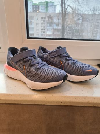 Кроссовки Nike .