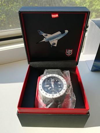 Продам часы Luminox A.5027. Новые, в пленках.