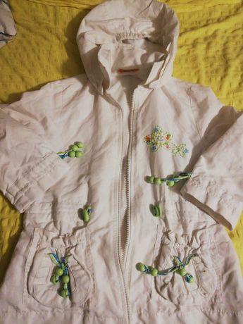 Biała kurtka wiosna jesień Mayoral 110cm