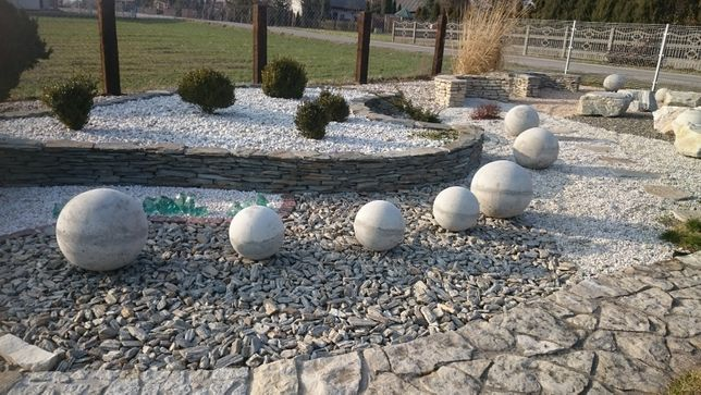 Kula ogrodowa z betonu