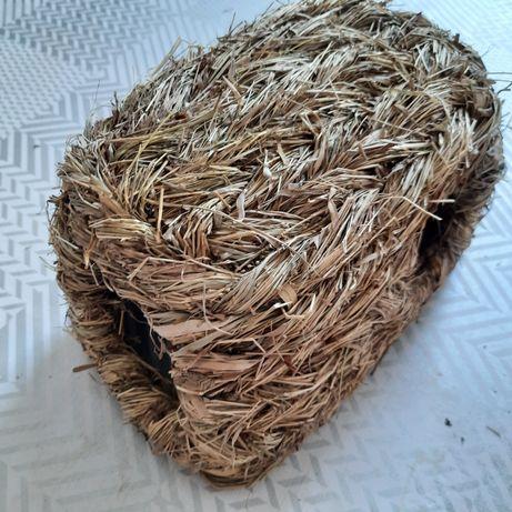 Domek z suszonej trawy dla gryzoni