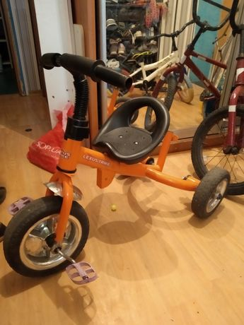 Велосипед трёхколёсный