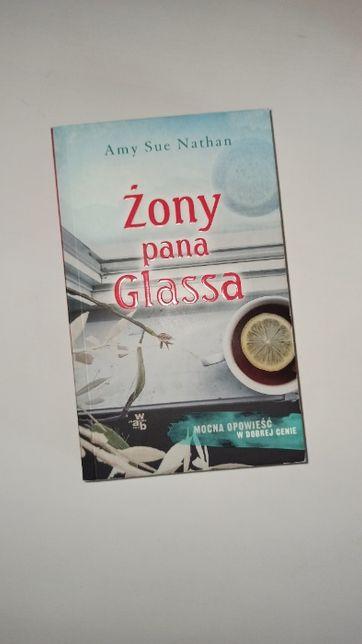 "książka ""Żony pana Glassa"""