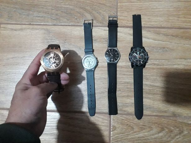 4 relógios para venda