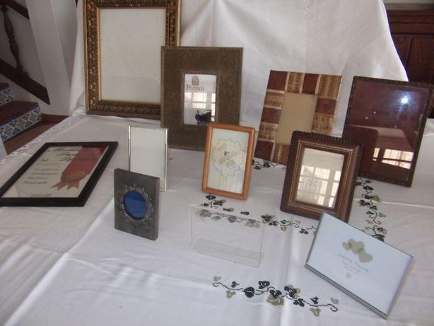 Colecção de molduras antigas para todos os gostos