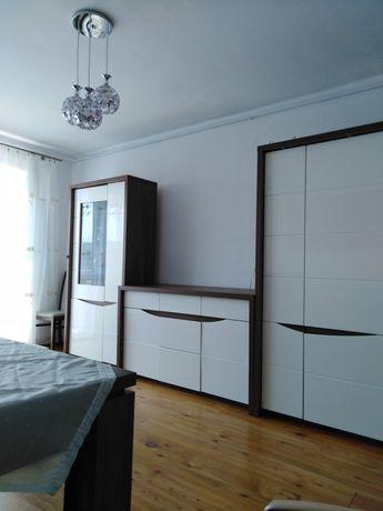 Duże 2-pokojowe umeblowane mieszkanie w centrum (czynsz w cenie)