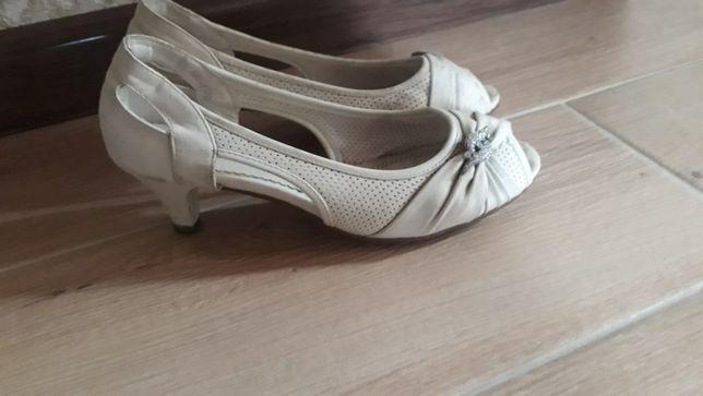 Продам срочно туфлі !
