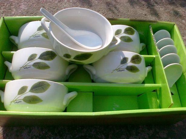 Naczynia ceramiczne 6 szt. buljonówki z łyżeczkami