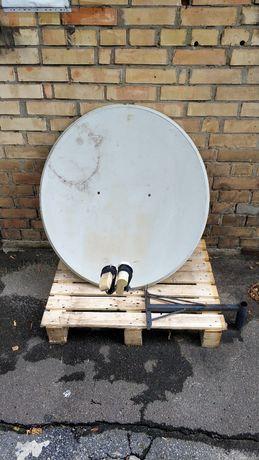 Спутниковая тарелка + 2 тюнеры + кронштейн.