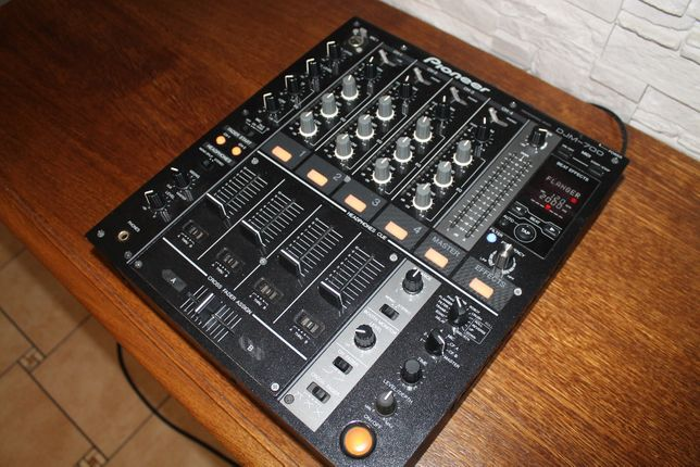 Pioneer DJM-700 Perfekcyjny stan