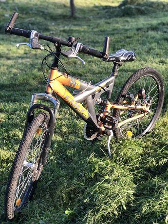 Велосипед двохпідвіс