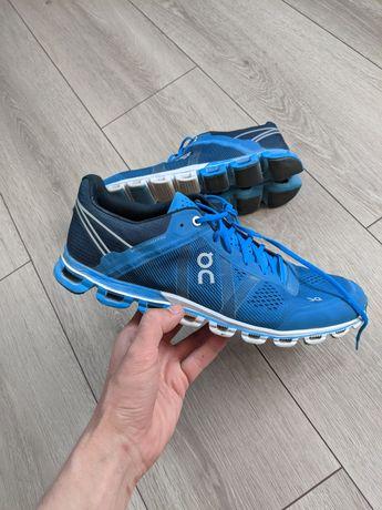 Беговые кроссовки On Cloudflow asics hoka