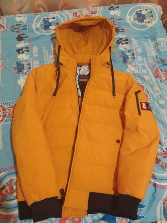 Мужская осенняя куртка,цвет на фото