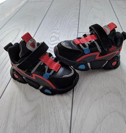 Дитячі осінні кросівки