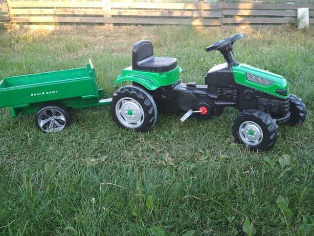 Лучшый подарок ребенку Трактор на педалях ,педальный