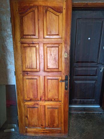 Дерев'яні двері, терміново, з двома замками, 80 х 200