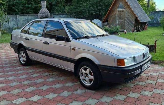 Volkswagen Passat B3 1990г.в. 1.8 Г/Б. Отличный. Любое переоформл