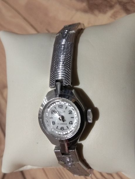 Vintage Nakręcany szwajcarski zegarek Roma