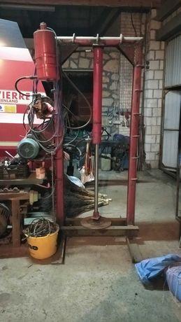 Prasa hydrauliczna, łupak