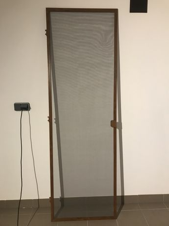 Moskitiera aluminiowa do drzwi balkonowych, jasny dąb
