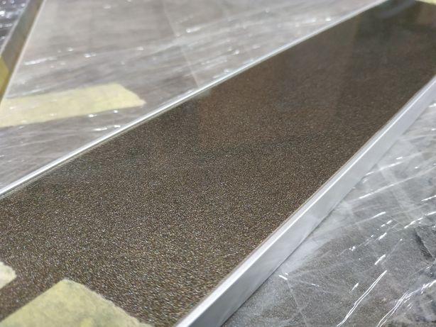 Пластиковый фасад в алюминиевом Т профиле