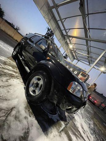 Nissan Paladin v6 4x4