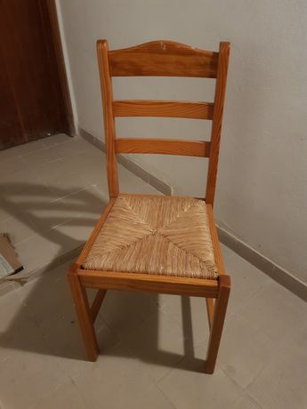 Cadeiras em bom estado