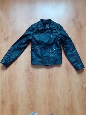Sprzedam kurtkę ze skóry w bardzo dobrym stanie rozmiar 146