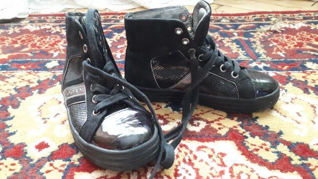 Кросівки 28 розмір