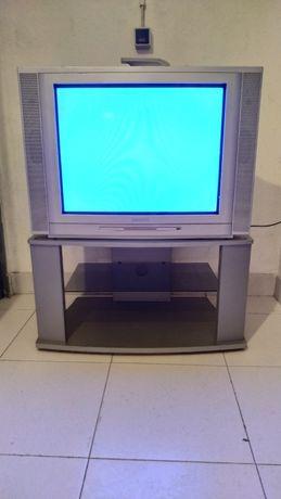 Vendo TV Grundig STF 72-2002/8 Text com móvel próprio
