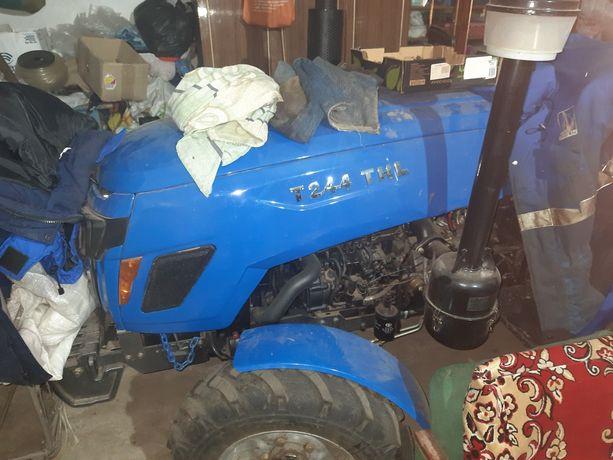Продам новий трактор T.244THL