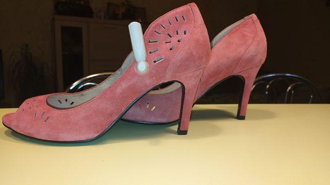 Туфли босоножки Braska новые 40 размер