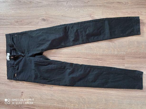 Czarne spodnie rozmiar 34