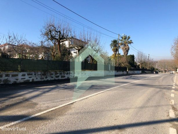 Terreno para moradia individual entrada cidade, Barcelos