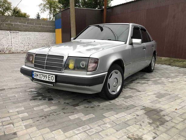 Mercedes-Benz W124 250D