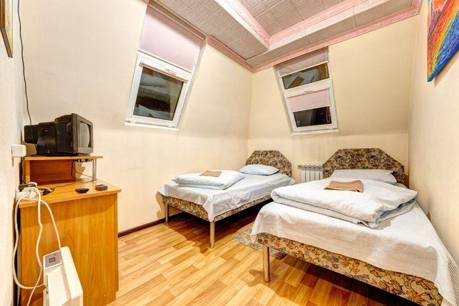 Комнаты посуточно на 2-6 человек (санузел в номере) м. Нивки м. Сырец