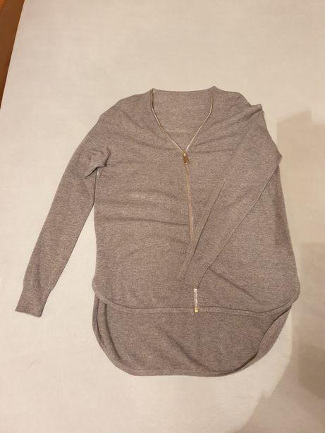 Szary rozpinany sweterek