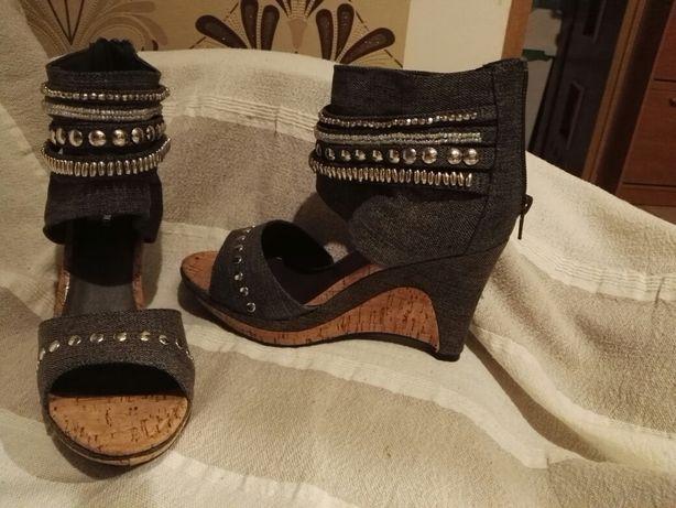 Koturny , sandały 37