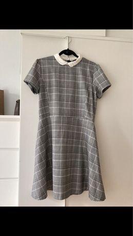 Sukienka w kratkę z kołnierzykiem Reserved