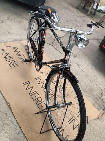 Bicicletas pasteleiras de homen y mulher