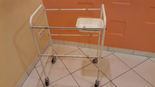 Stolik szklany medyczny/ zabiegowy/ pod aparaturę z wysuwaną miseczką