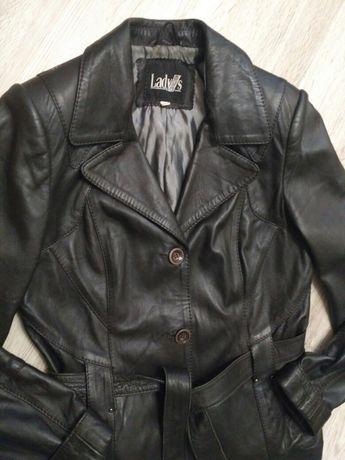 Кожаная куртка в новом состоянии,44
