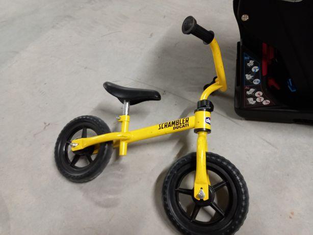Bicicleta  sem pedais Chico