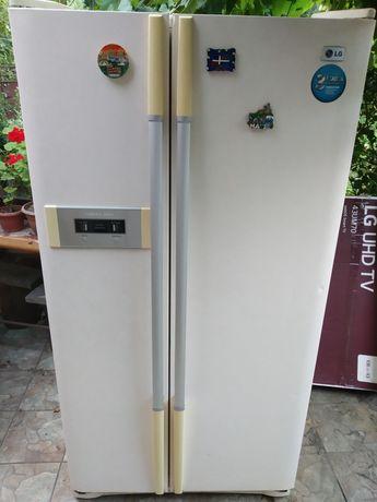 Продам двухкамерный холодильник LG