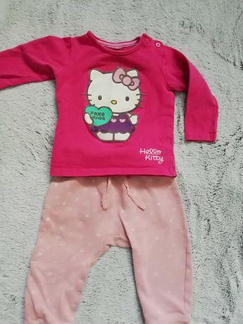 Bluzka i spodnie dla dziewczynki w rozmiarze 74