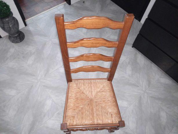 Cadeira Artesanal em Madeira Maciça e Palhinha | Rigorosamente nova