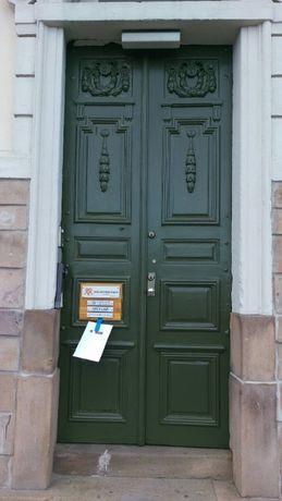 Renowacja okien, drzwi, parkietów.