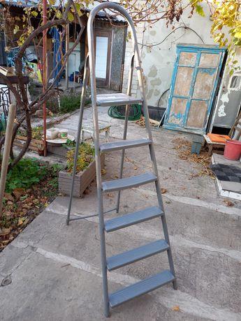 Продам металлическую лестницу.