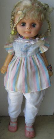 Говорящая кукла Блондинка в платье,брюках ,туфельках 58 см