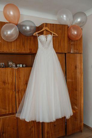 Продам весільну сукню, розмір 42,в хорошому стані, після хімчистки